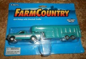 1/64 1995 ertl ford 4x4 pickup truck with livestock trailer in the package new