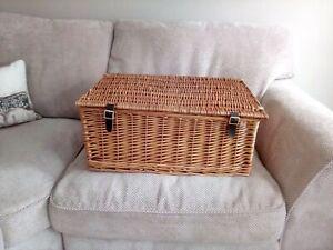 Wicker Picnic Hamper Basket Storage Books Toys Vintage Boxes 60cm x 39 x 26 NEW