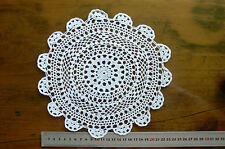 Hand CROCHET DOILY / CENTRE - Cotton WHITE Round Approx 23cm across Rnd515/6