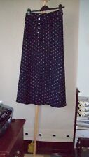 WOMENS SKIRT SIZE 10. LABEL PLANET.