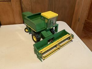 Vintage John Deere 6600 chain drive Combine Yellow Top Collectible Toy Tractor