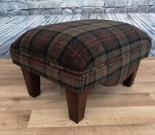 Footstool Lana Green Tartan with mahogany solid wood legs