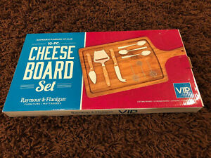 Raymour and Flanigan 10 Pc Cheese Board Set