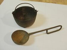 Vintage Cast Iron Ladle and Smelting Pot (5lbs) for Melting lead Rusty