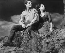 Merle Oberon & Laurence Olivier UNSIGNED photograph - M2604 - Wuthering Heights