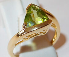 AA Peridot 2.50ct twist solitaire in yellow gold overlay Sterling Silver, Size P