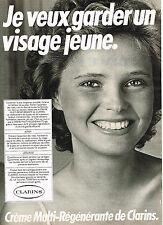 PUBLICITE ADVERTISING  1981   CLARINS    cosmétiques du visage jeune