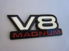 """DODGE RAM """"V 8 MAGNUM"""" scritta-emblema da incollare, nessuna penne"""