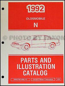 1992 Oldsmobile Achieva Parts Book Original Illustrated Master Part Catalog OEM