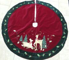 EMBROIDERED & SEQUINED REINDEER ON VINTAGE CHRISTMAS TREE SKIRT 46 INCH DIAMETER
