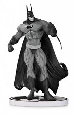 Batman Black & White Statue Simon Bisley DC Collectibles