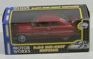 Motor Works 1:24 Die-cast Replica