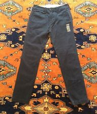 BNWT Mens'/Boys' HOLLISTER KHAKIS/CHINOS 28