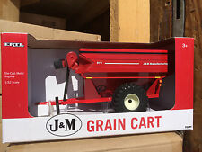ERTL 1:32 red J&M Grain Cart