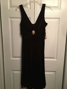 NWT Sheri Martin Size 14 Lined Dress Cocktail Party Jeweled Brooch Velour Brown