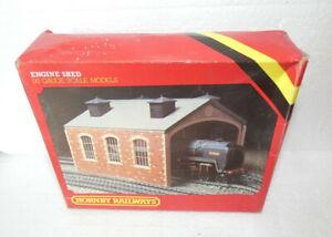 HORNBY R.504 ENGINE SHED  00 GAUGE ORIGINAL BOX