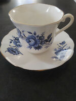 Set of 6 Elizabethan Fine Bone China Tea Cups and Saucers Made in England