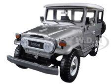 TOYOTA FJ40 FJ 40 SILVER 1:24 DIECAST MODEL CAR BY MOTORMAX 79323