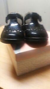 Angel Brand girls black patent leather dress shoe size 6