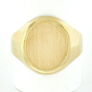 Men's Classic Solid 14K Yellow Gold Engraveable Textured Oval Center Signet Ring