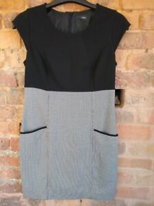 Smart Dress - Side Pockets + Lined Geometric Black. Size 12.  Fitted Style Next.