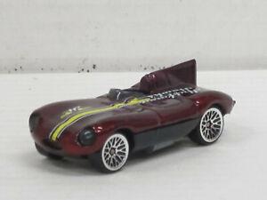"Jaguar D-Type in weinrotmetallic ""Huffman Hawks"", ohne OVP, Hot Wheels, ca. 1:64"