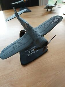 AMERCOM WAR IN THE PACIFIC VOUGHT F4U CORSAIR DIECAST PLANE AND STAND