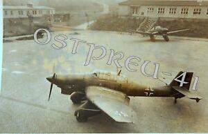 169/Orig. Foto 2.WK Kampfflugzeug Stuka Ju 87 Vereidigung in Halle Kaserne LW