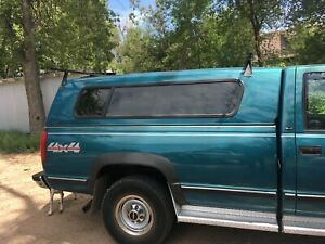 Pickup Topper '88-'98 GMC/Chevy Long Bed. Teal. Like New. Includes clamps.