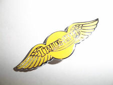 MOTORCYCLE PIN BADGE 'TRIUMPH WING - YELLOW' MOTORBIKE LAPEL BADGE - BG38D