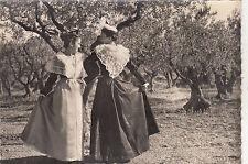 BF25820 provence jeunes femmes en costume arlesienne typ france front/back image