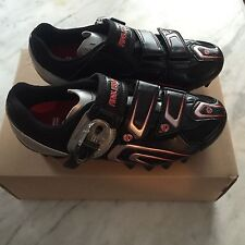 NOS Women's Pearl Izumi Race MTB Mountain/Spin Shoes 2-Bolt SPD Size 37 EURO