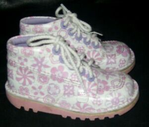 GIRLS SIZE 10 EUR 28 PINK AND WHITE KICKER BOOTS