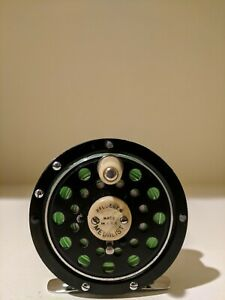 VINTAGE PFLUEGER FLY FISHING REEL MEDALIST 1492 SUPERB COLLECTIBLE