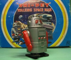WIND UP UNI PET WALKING SPACEMAN ROBOT A BY HERO MADE IN JAPAN FROM OLD STOCK!