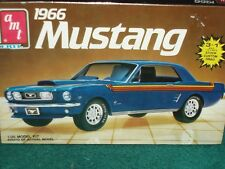 AMT 1966 FORD MUSTANG COUPE  PLASTIC MODEL KIT 1/25 SKILL LEVEL 2 3 in 1
