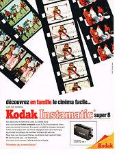 PUBLICITE ADVERTISING 054  1967  KODAK    caméra INSTAMATIC  SUPER 8