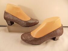 MICHELLE D (BRAND NEW) SILVER SCALE PATTERN MID HEEL PUMPS 6.5 M!!!
