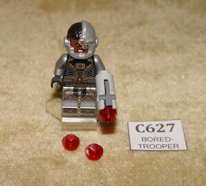LEGO Minifigs: Super Heroes: Justice League: sh155 Cyborg (2015) Blaster & Stand