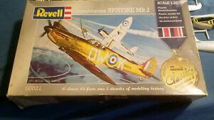 Supermarine Spitfire Mk.I Revell 00021 1/32nd scale Plastic Model Kit