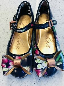 TED BAKER SHOE GIRL SIZE 8 OR 26 Used READ DESCRIPTION