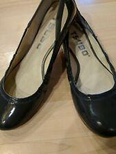 TSUBO Navy Patent Sculpted Heel Comfort Flat Ballet Women's Size 8