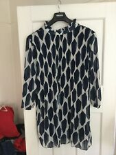 Ladies blue and white dress size 14 BNWT Length 36ins