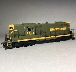 Athearn Genesis HO EMD GP9 Grand Trunk Western GTW #4434 DC LED ATHG78169