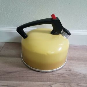 Mirro 2 1/2 Qt 70s Yellow Teapot Tea Kettle Whistle Aluminum Made In USA Vintage
