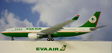 Hogan Wings 1:200 Airbus A330-200  EVA Air B-16301  LI0458 + Herpa Wings Katalog