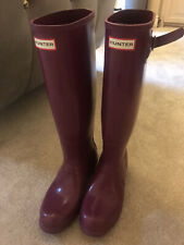 Women's Hunter wellies size 6 in colour dark pink worn once as new,rrp £100.