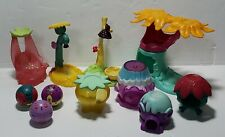 Sega Toys Spin Master 8 house base with 3 Zoobles