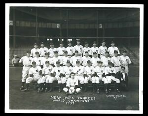 Lou Gehrig & Joe Dimaggio 1937 Yankees Team Type 1 Original Photo Crystal Clear!