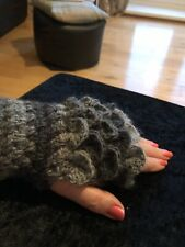 """NEW  """"Shades Of Grey""""   GOT  Dragon scale Wrist Length finger less gloves"""